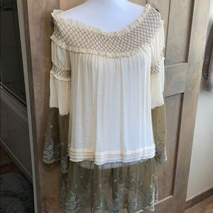 NWT Ryu off shoulder lace tunic shirt top